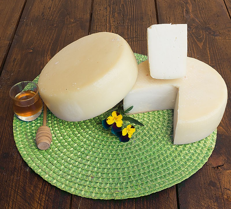 Pecorino cheese Avaro